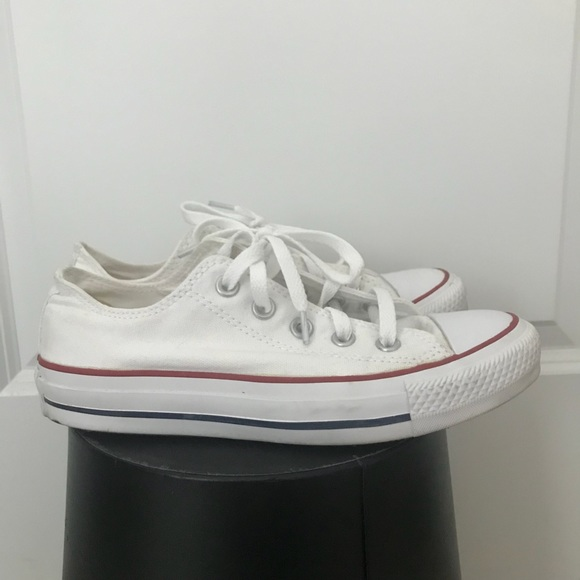 13c4b6ca47e3 Converse Shoes - White low top Converse size 6